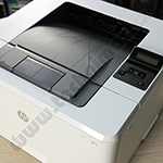 HP-LaserJet-M402dn-ze-shora.png